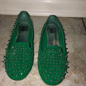 Women's Spike Slipper Shoe